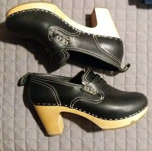 Shoes - Swedish Hasbeens black heeled clog loafers sz 8/38